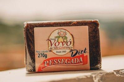 Doce de pêssego diet é uma especialidade da vovó