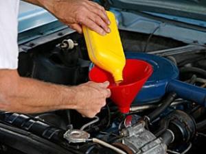 Car-maintenance-oil-change