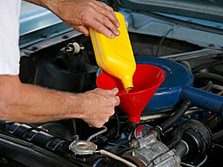 Car-maintenance-oil-change.jpg