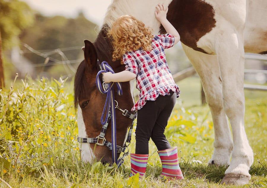little_girl_and_her_horse.jpg