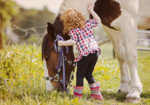 little_girl_and_her_horse