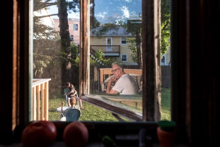 Karyn-Novakowski-documentary-family-photography-grandparents-2