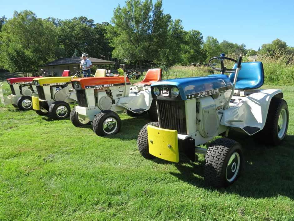 John Deere Lawn and Garden Patio Tractors