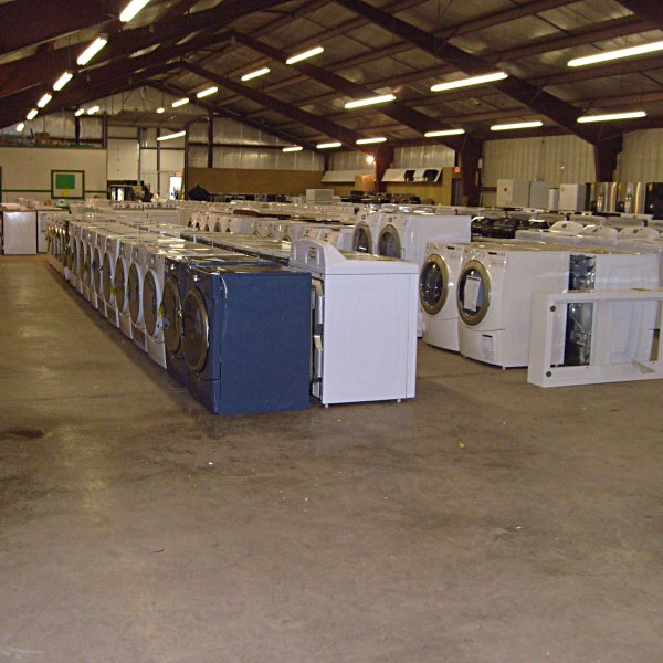 Silica's Appliance Liquidation Sale