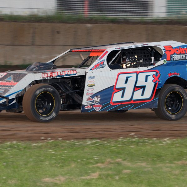 Dirt Track Racing returns to the Half Mile