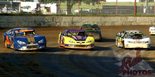 DCSA Grand Nationals three wide racing at the Fairgrounds