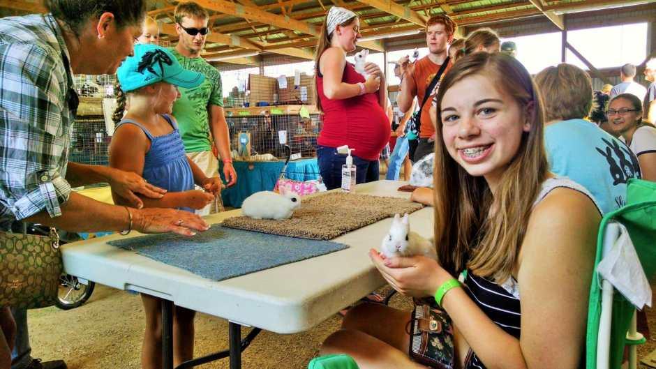 Cassandra Luedtke kit rabbits Dodge County Fair
