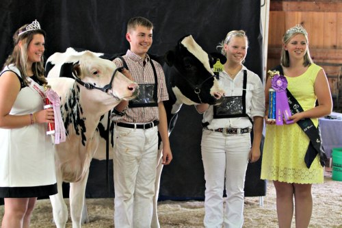 Dairy-Cattle-Awards-Presentation