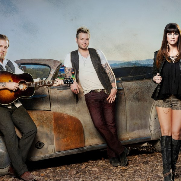 Gloriana Headlines Thursday Entertainment