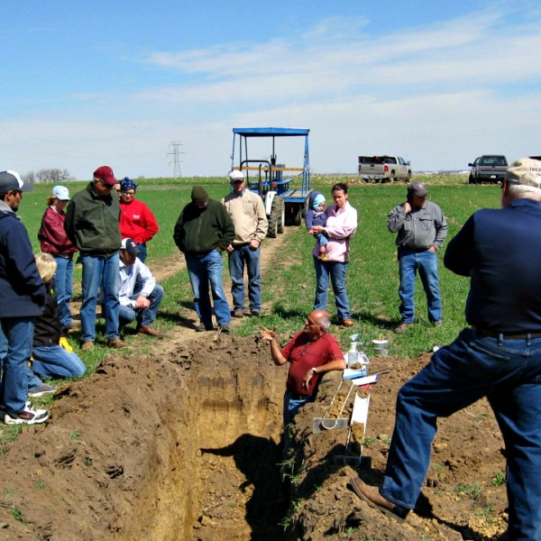 Farmers hosting Healthy Soil-Healthy Water Field Tour