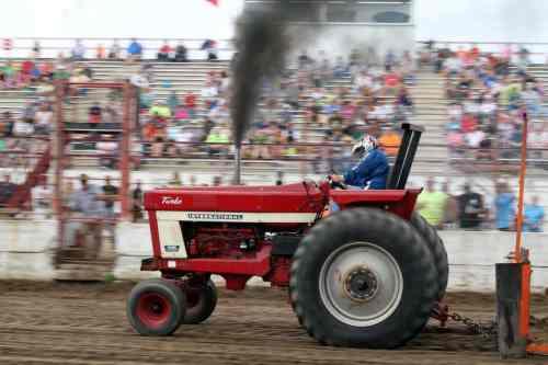 International Harvester Farm Tractor Pull