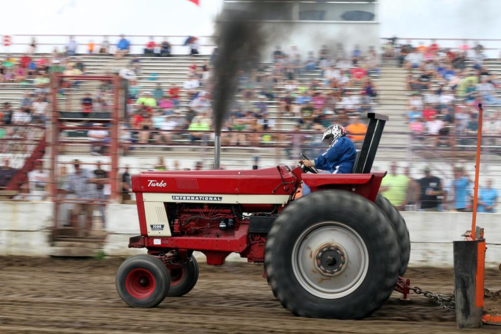 International Harvester Farm Tractor Pull