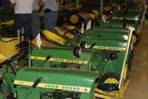 John Deere 110 Tractor Show