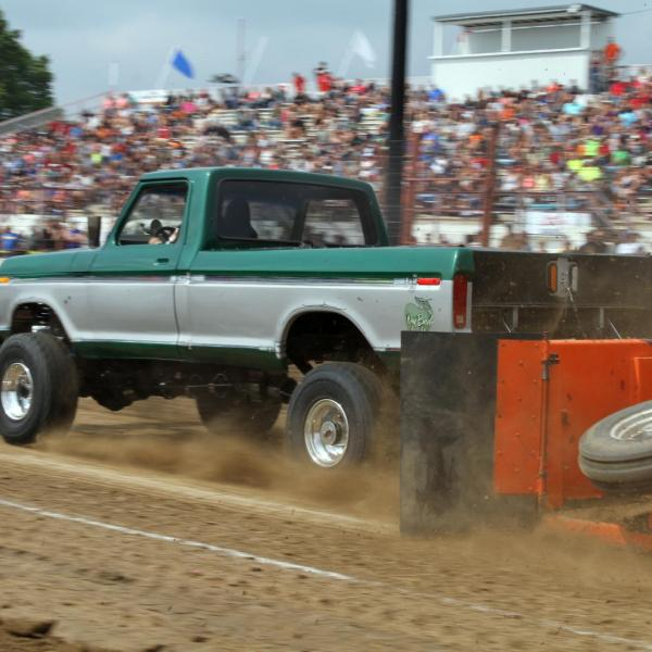 [canceled] Pernat Haase Meats 4WD Truck Pull