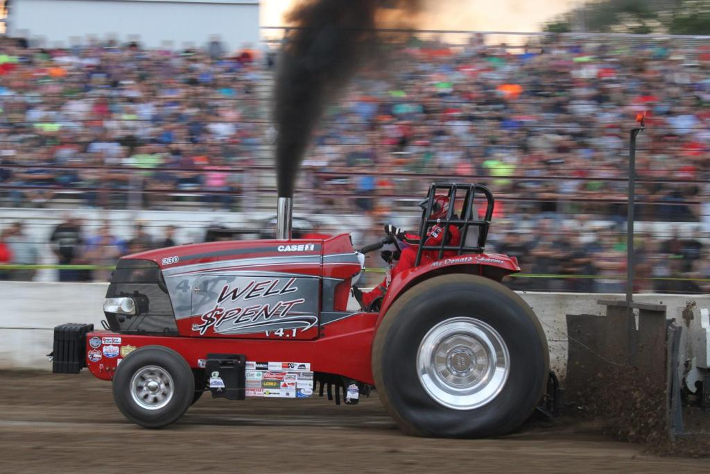 Wisconsin Tractor Pulling at Dodge County Fair