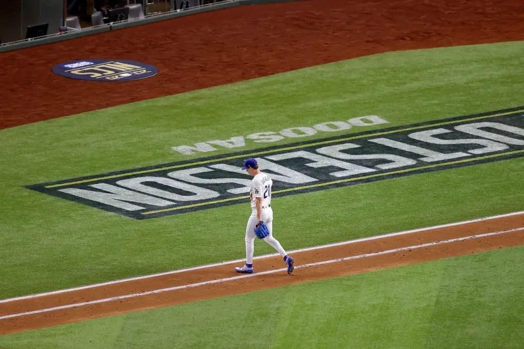Dodgers: Walker Buehler tempestades fora da entrevista quando questionado sobre suas calças justas 2