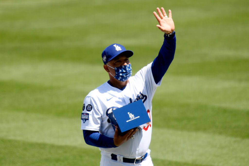 Dodgers: Dave Roberts Feels Padres are Aiming to 'Copy Cat' LA
