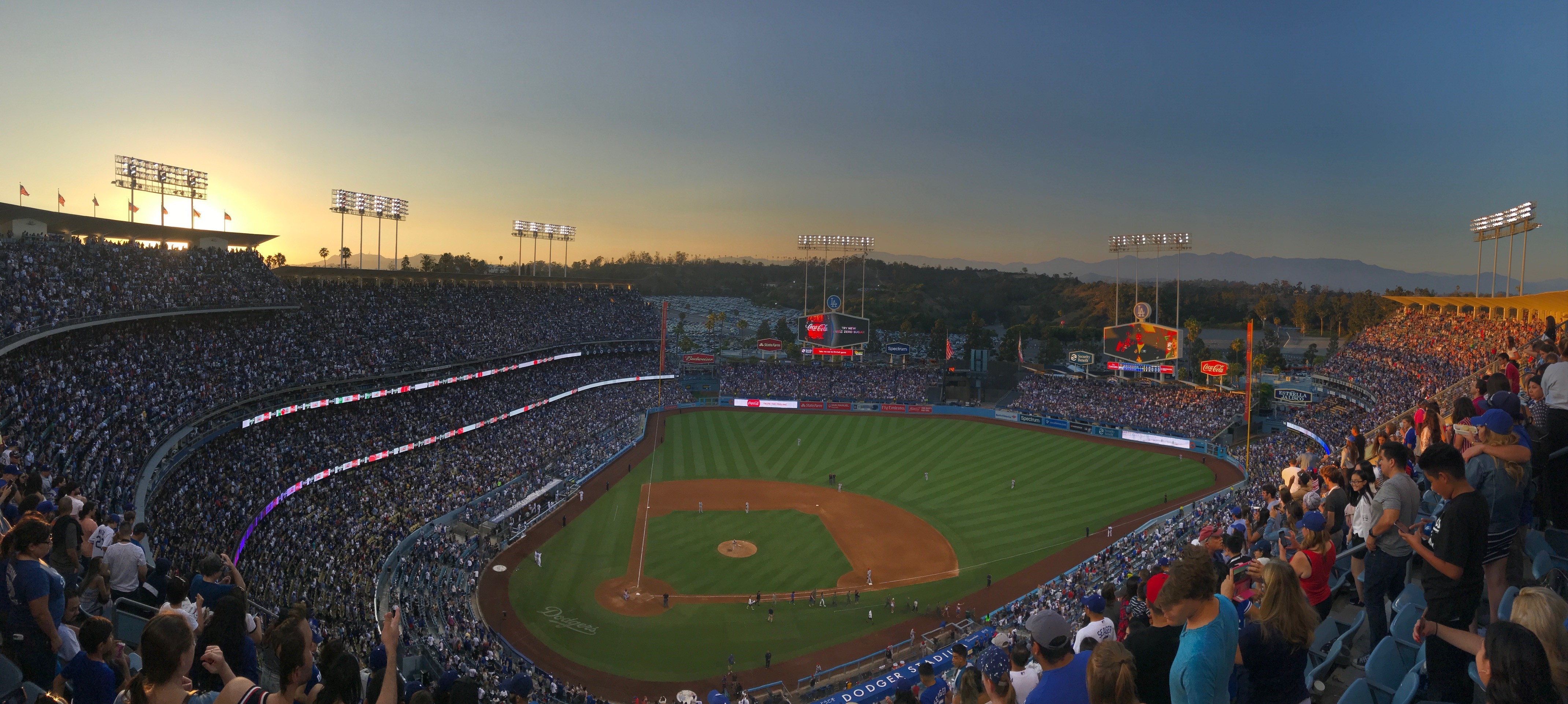 What S Up Dodger Fans Feats Of Strength And Other Notes