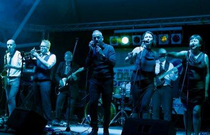 Dodgey Practice Devon Wedding & Party Band 38