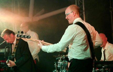 Dodgey Practice Devon Wedding & Party Band 6
