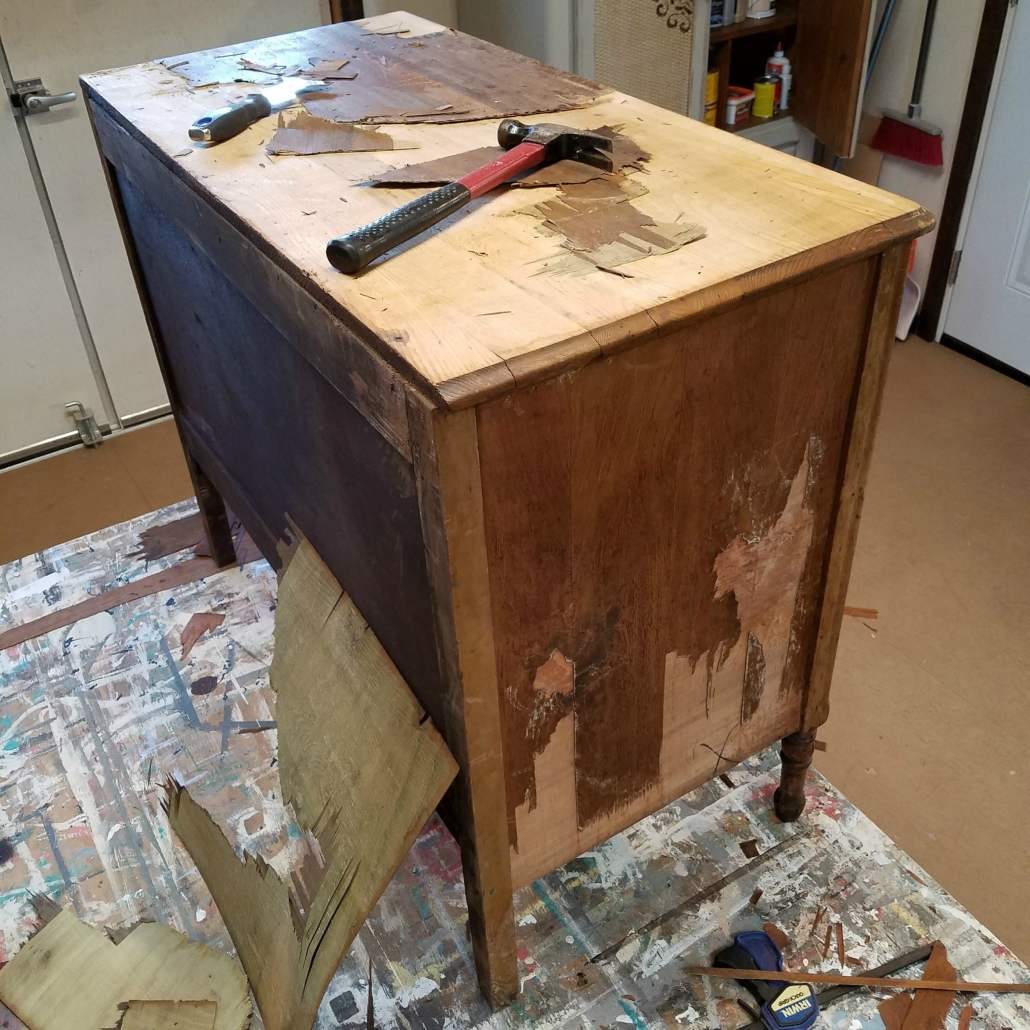 Dealing With Veneer Damage on a wood dresser. #dododsondesigns #wooddresser #veneerdamage #veneerremoval #wooddresser