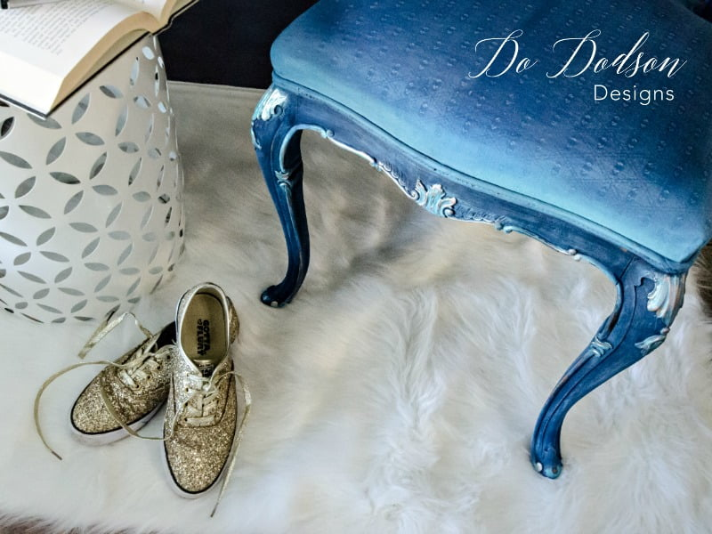 Painting fabric is a game changer when you don't want to spend the time and money with reupholstery. #dododsondesigns #paintedfabric #paintedfurniture #furnituremakeover #bluechair #paintedchair