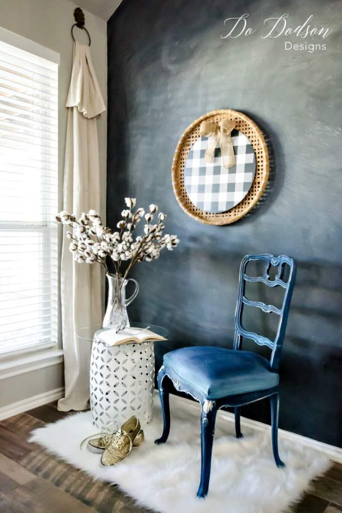Painting fabric is a great option when you want to save time and money with your makeovers. #dododsondesigns #paintingfabric #paintedfurniture #furnituremakeover #paintedchair #bluechair