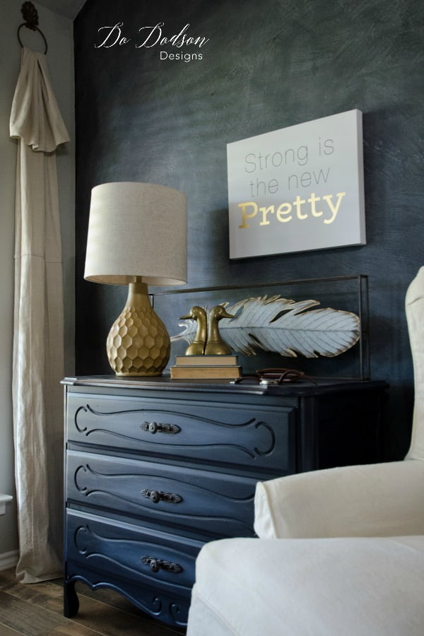 How To Master Blending Paint Like a Pro #dododsondesigns #blendingpaint #colorblending #paintedfurniture #furnituremakeover #diyproject #paintedfurniture #handpaintedfurniture #paintingwoodfurniture