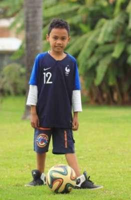kid exercise soccer