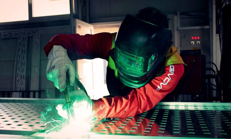 How to Advance Your Manufacturing Career in 5 Steps