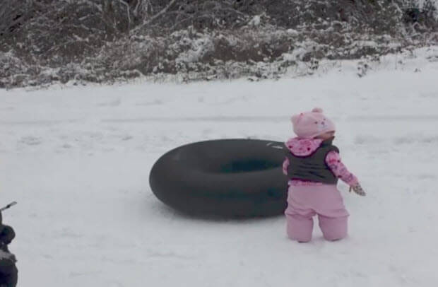 baby-with-tube