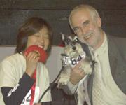 イアン・ダンバー博士(米国・獣医師、動 物行動学者、トレーナー: 写真はMost Happy Dog賞授賞式)