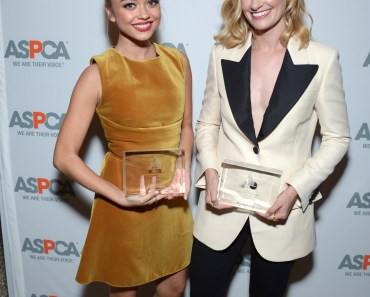 Actresses Sarah Hyland & Beth Behrs Honoured for Commitment to Animal Welfare 2