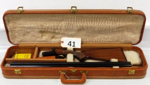 Browning - BSS 20 Ga Shotgun w/ Browning case