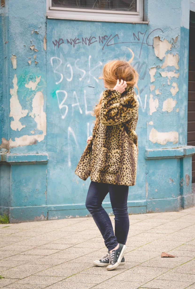 dogsanddresses_outfit_leopardcoat