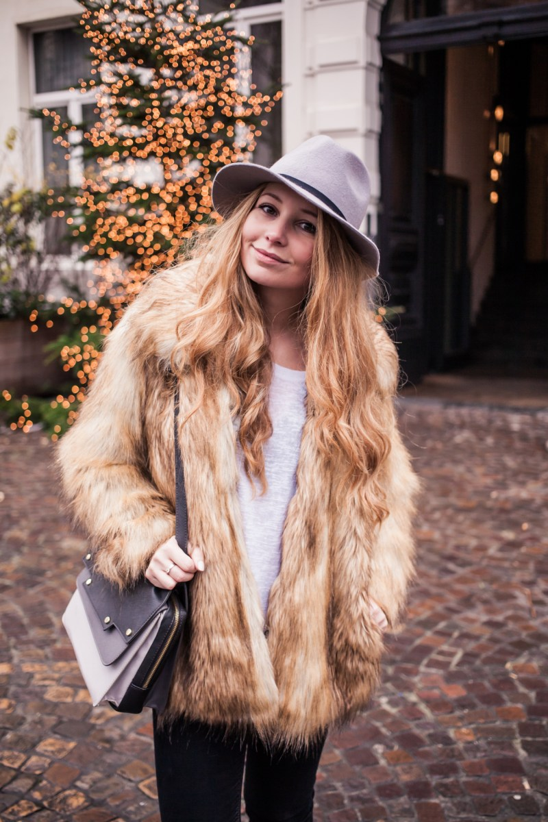 Dogs and Dresses furry coat grey hat outfit streetstyle 5
