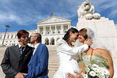 image_52436.alg_gay_marriage