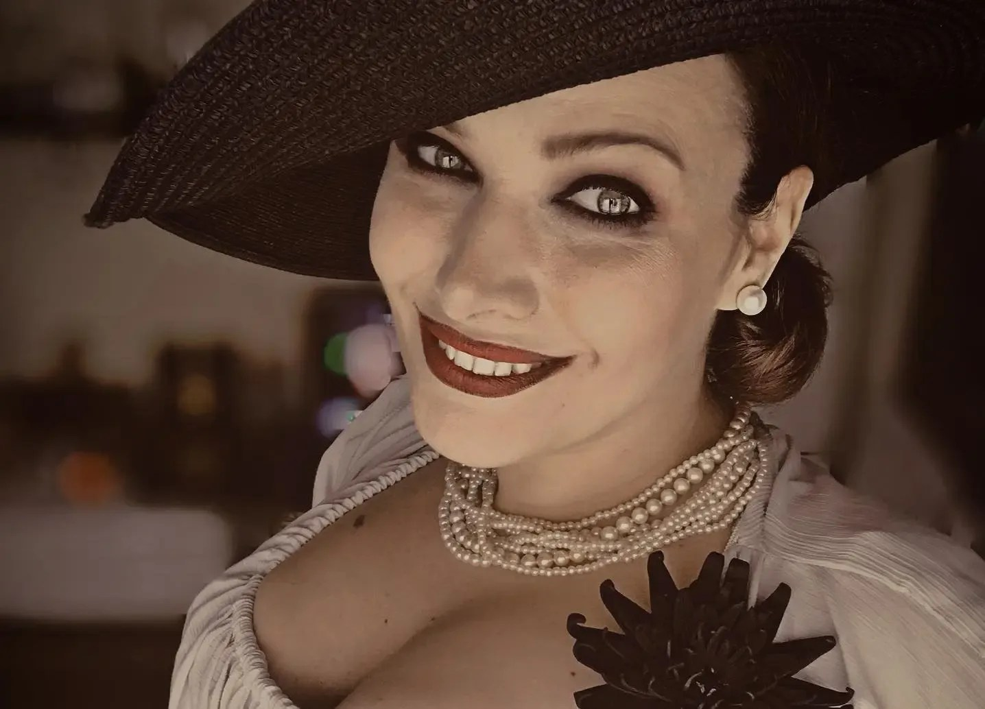 ¡Un gran cosplay de Alcina Dimitrescu de Resident Evil Village!
