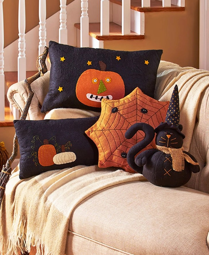 13 Creative Ways To Decorate Your RV And Home For Halloween