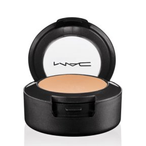 rby-fall-makeover-mac-concealer-de