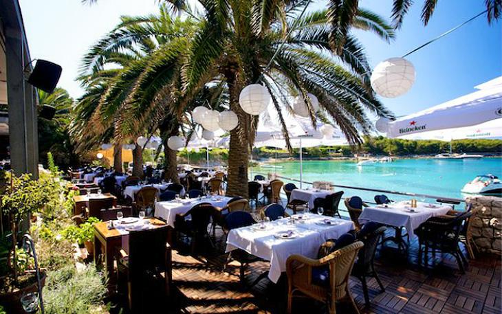 restaurant-zori-palmizana-01-1366639337