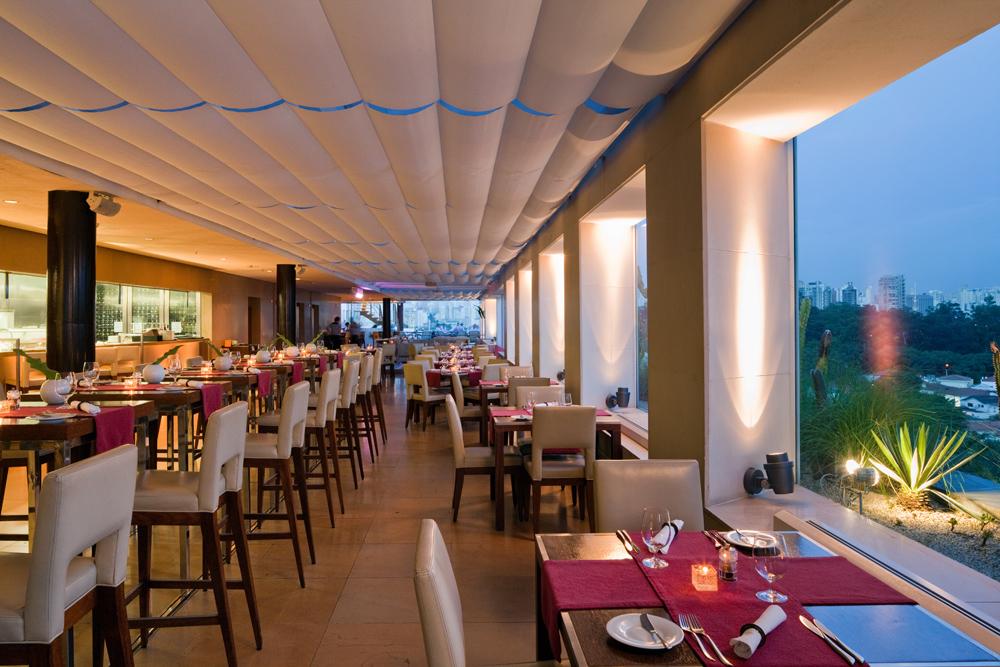 26 - Hotel Unique - Skye Restaurant & Bar