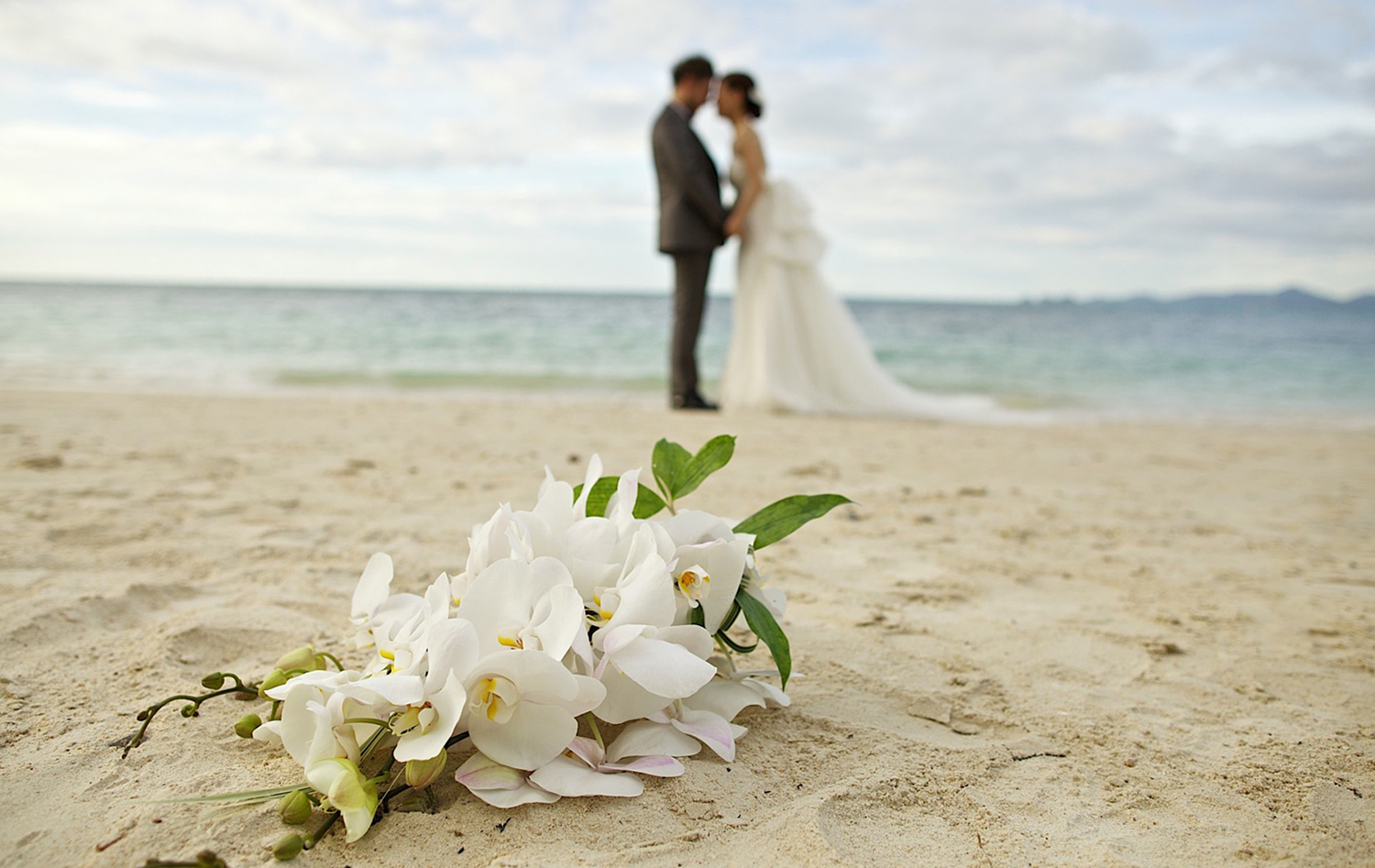 Thavorn_Wedding_Phuket_Romantic_Beachside