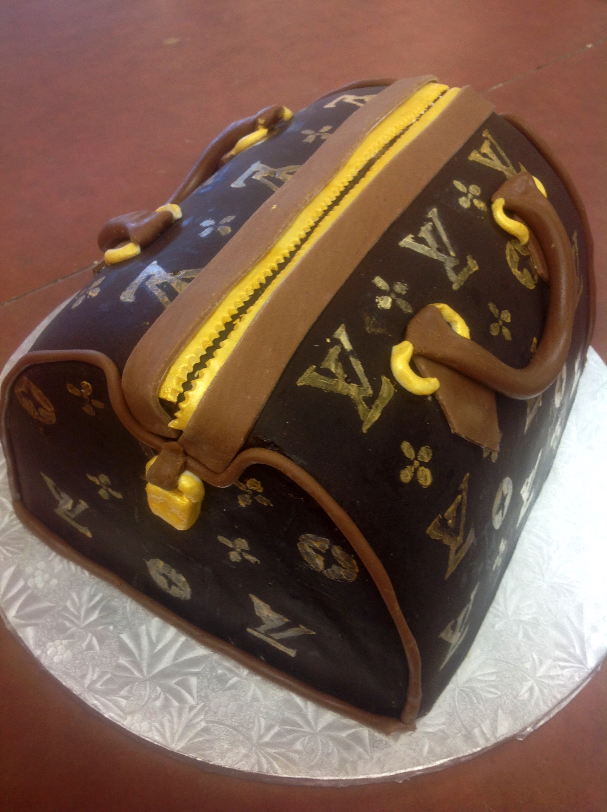 Fondant Covered And Carved Cakes Dolce Amp Biscotti