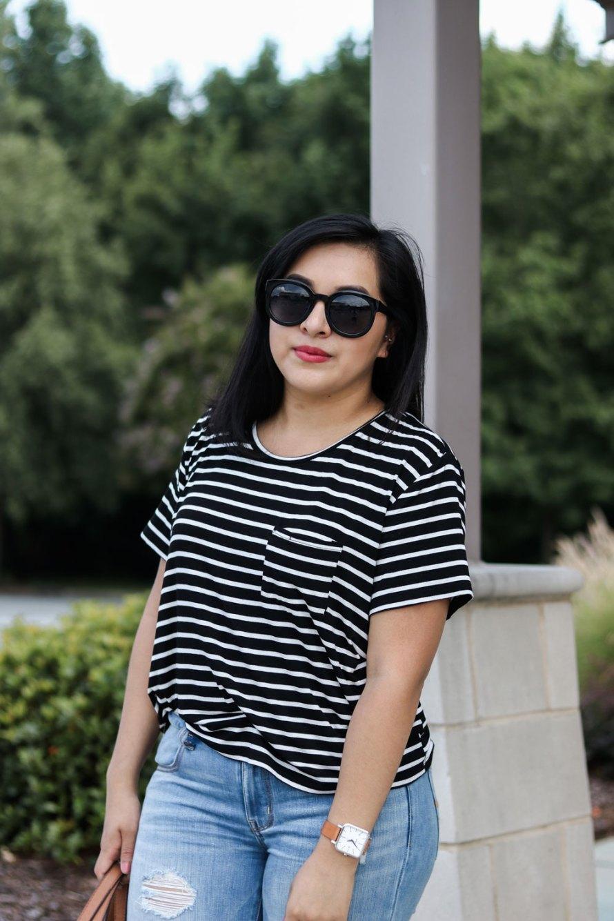 stripe t-shirt distressed denim cognac details summer outfit