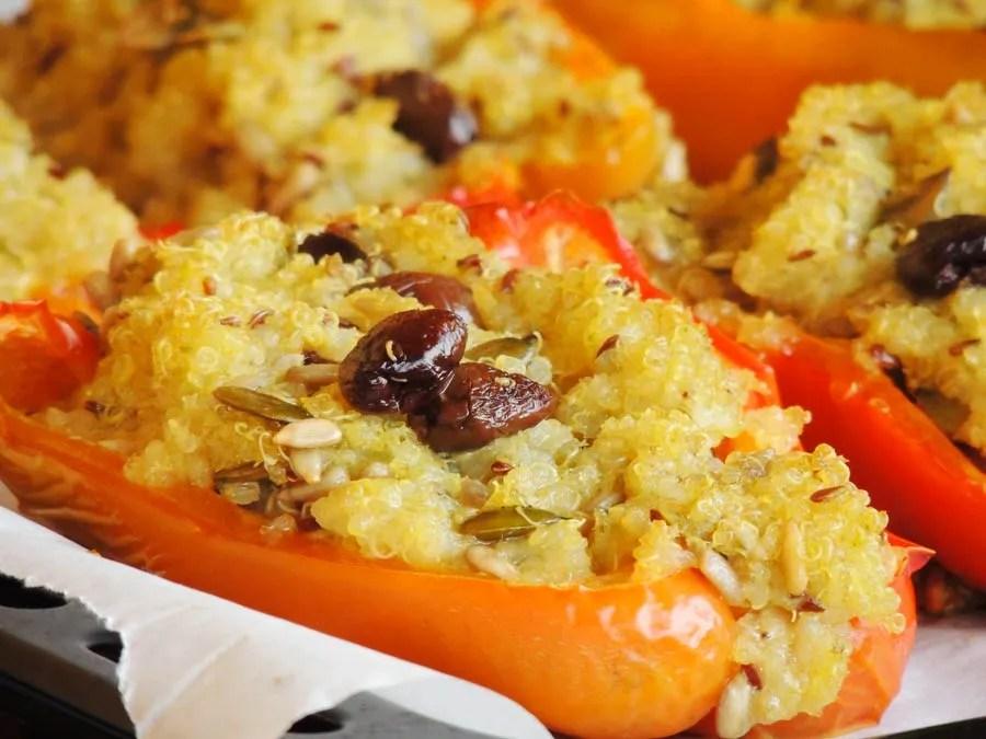 Peperoni ripieni di quinoa a basso indice glicemico ricetta originale su www.dolcesenzazucchero.com