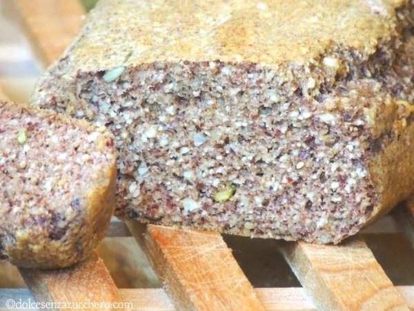 Pane senza farina di frumento e semi vari