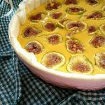 Torta con fichi e yogurt alle noci e cereali