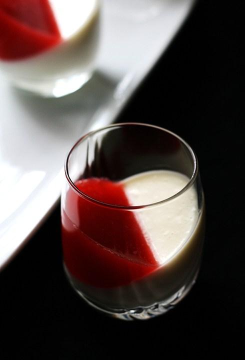 Panna cotta fragola e vaniglia