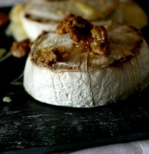 Camembert miele e noci